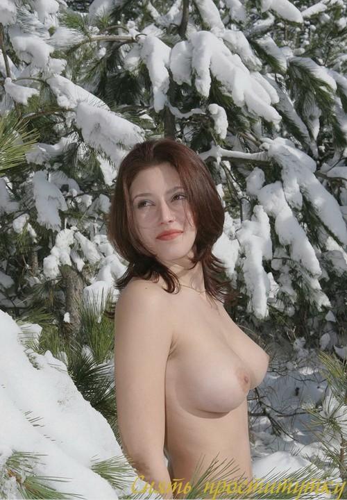 Патриция - мастурбация члена грудью